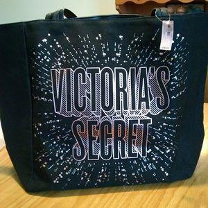 Victoria's Secret tote fashion show